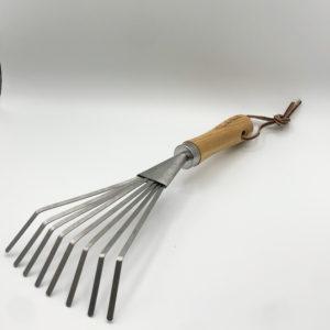 Hand rake
